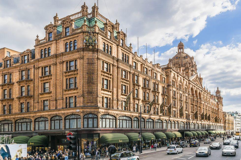 Harrods, Knightsbridge, Kensington, London, England, Europe