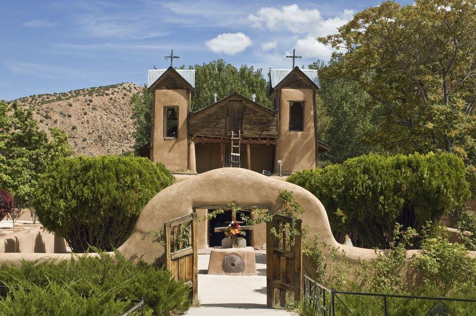 El Santuario de Chimayo, Santa Fe, New Mexico, USA
