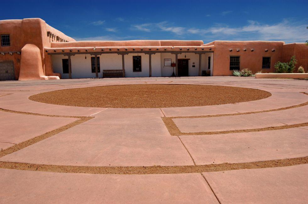 Plaza, Adobe, Museum Hill, Santa Fe, New Mexico, USA