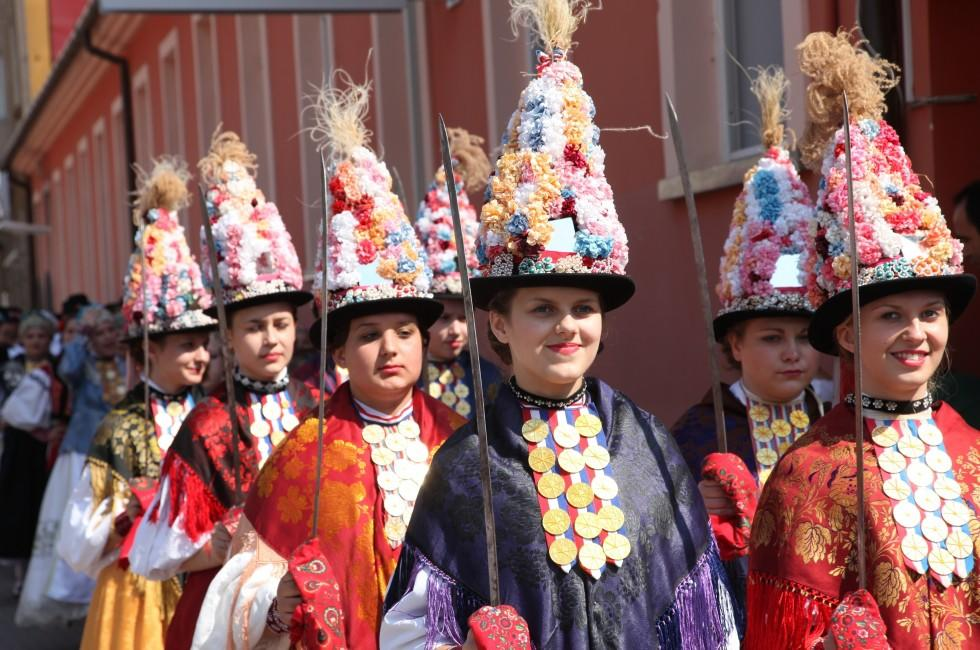Costumes, Dakovo Summer Festival, Dakovacki Vezovi, Dakovo, Croatia