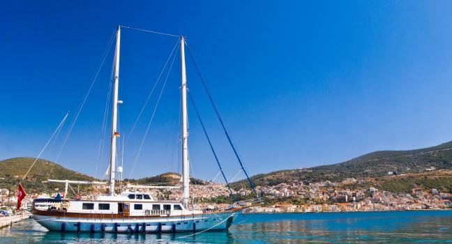 travel styles cruising sailing greece