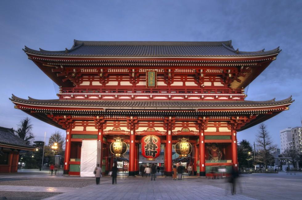 Temple, Hozo-mon Gate; Senso-ji, Asakusa, Tokyo, Japan.
