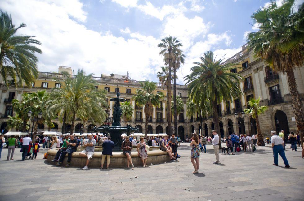 Placa Reial, Barri Gotic, Barcelona, Spain.