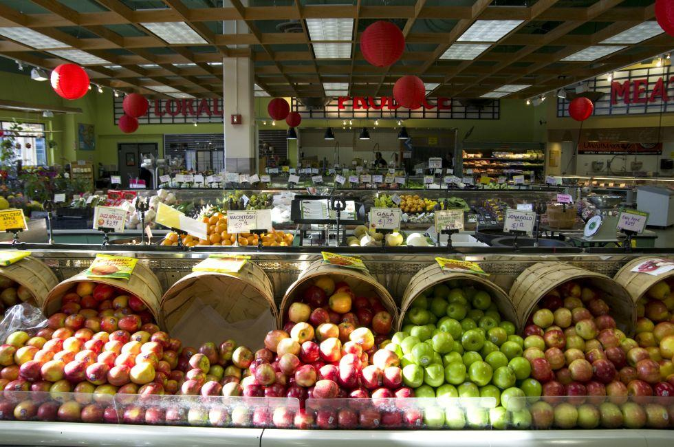 Apples, Uwajimaya, Seattle, Washington, USA