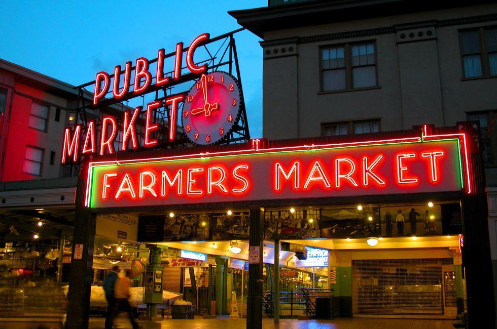 Night, Public Market, Seattle, Washington, USA