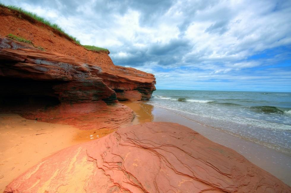 """an overview of the prince edward island in canada Prince edward island (pei), also called the island, one of the maritime provinces of canada curving from north cape to east point , """"the island,"""" as prince edward islanders refer to the province, is about 140 miles (225 km) long, ranging from 2 to 40 miles (3 to 65 km) in width."""