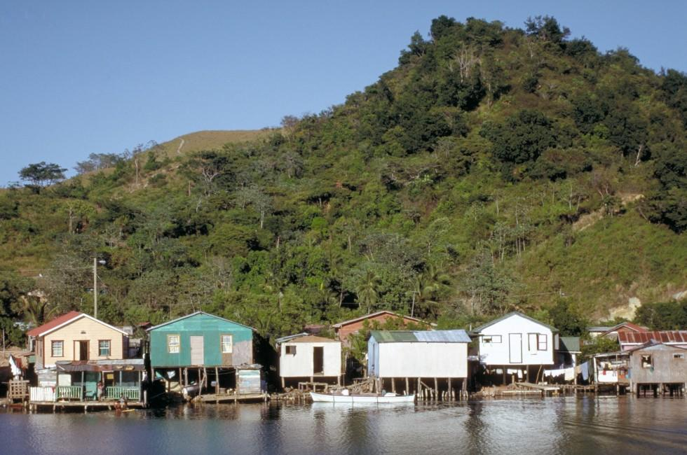 Houses, Waterfront, Oak Ridge, Roatan, Caribbean