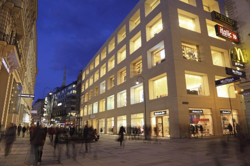 Night,  Shops, Kartner Strasse, Vienna, Austria