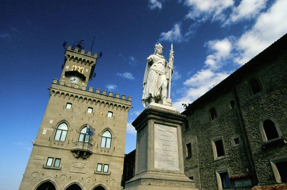 Liberty statue and public palace, San Marino republic, Italy