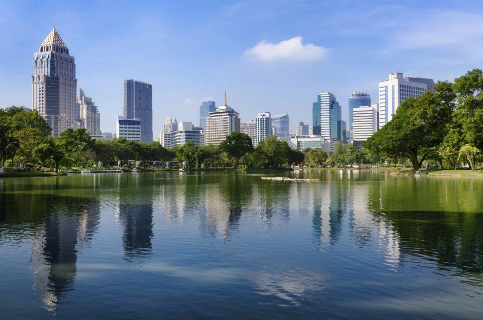 Lake, Lumpini Park, Silom and Bang Rak, Bangkok, Thailand, Asia.