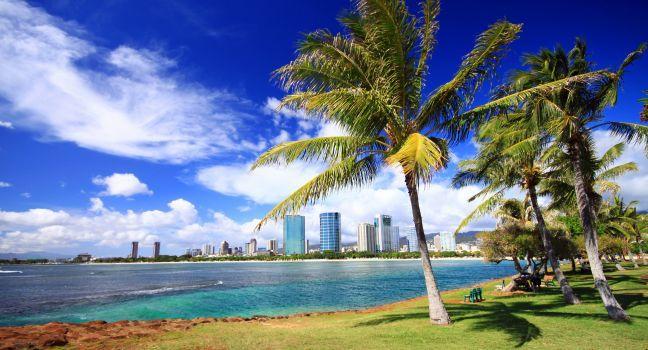 Overlooking Ala Moana Beach Park Honolulu And Oahu Hawaii