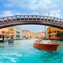 Ponte dell'Accademia, Dorsoduro, Venice, Italy.