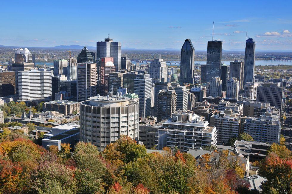 Skyline, Kondiaronk Belvedere Mount Royal Park, Montreal, Quebec, Canada