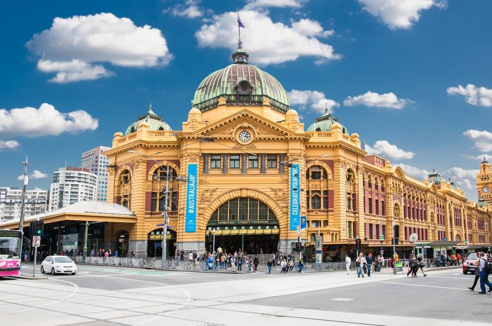 an overview of melbourne australia This page provides a snapshot of the city of melbourne and greater melbourne, including facts and statistics on its population, residents, economy and employment.