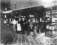 Help for one evening and day in the Tampa Area-columbia-ybor-city-cafe-in-1905.jpg