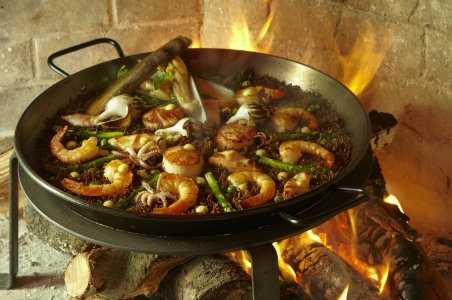 coqueta-paella-credit-phil-harvey.jpg