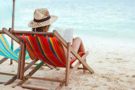 10 Books to Read on Your Summer Vacation
