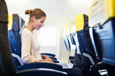 10 Airlines with In-Flight WiFi