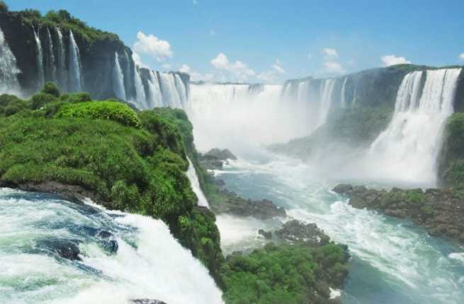 Ask Fodor's: How Can I Save Money on Getting to Iguazu Falls?