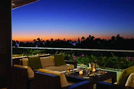 waiolu-conversational-pit-seating-at-sunset-trump-waikiki.jpg