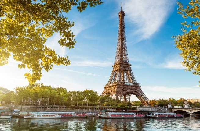 Spring 2015 Guide to Paris