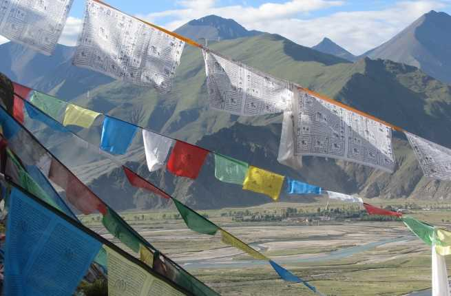 1._prayer_flags_(c)_national_geographic_expeditions_-_keith_butler.jpg