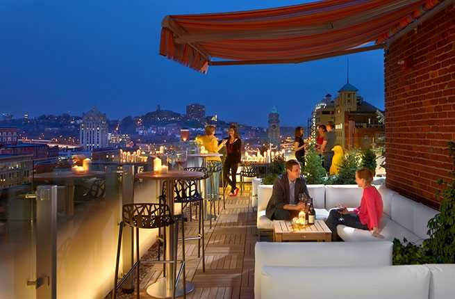 rooftop-bar-at-21c-museum-hotel.jpg