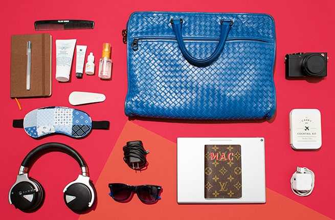 What to Pack in Personal Items for Flights