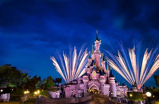 10-things-only-at-disneyland-paris-disney-dreams.jpg