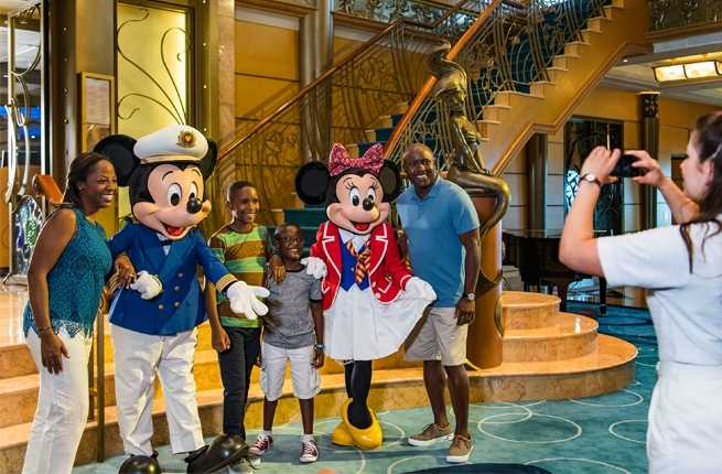 disney-cruise-mickey-minnie.jpg