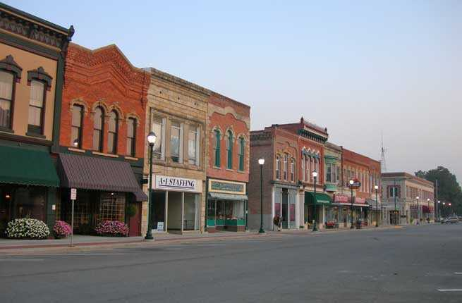 10 charming midwestern towns to visit this summer fodor for A quaint salon midwest city