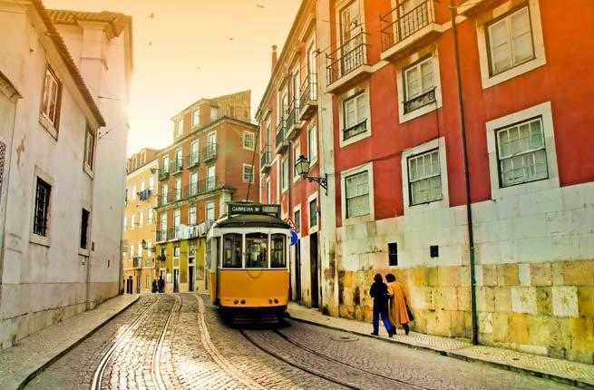 2-lisbon-portugal-tram-28