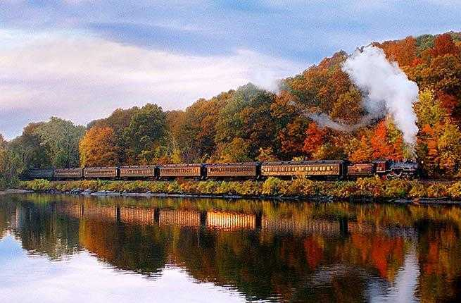 10 Best U.S. Train Trips to Take This Fall
