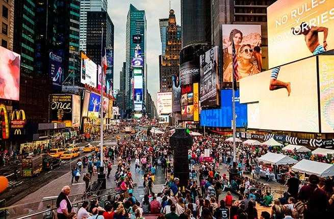 15 things not to do in new york city fodor 39 s for Things to do on times square