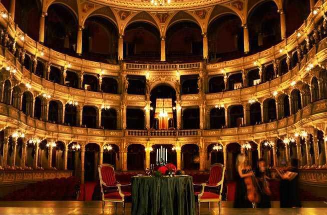 10-hungarian-state-opera-house.jpg