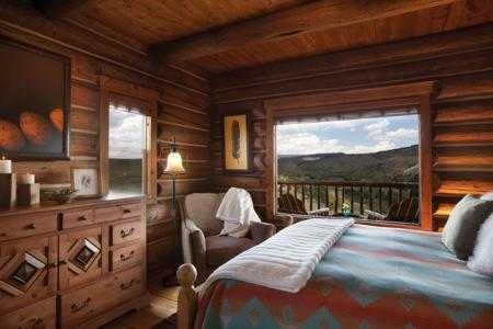 3-the-lodge-spa-at-brush-creek-ranch