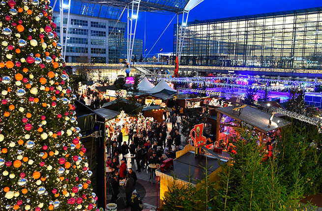 10-airports-with-incredible-holiday-decorations-hero.jpg