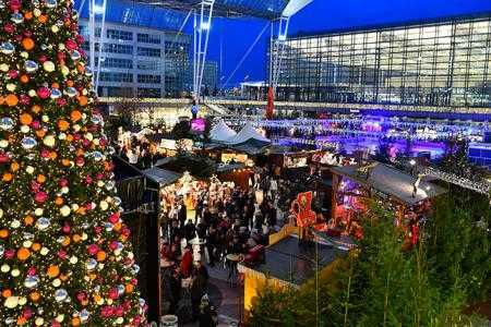 10-airports-with-incredible-holiday-decorations-hero