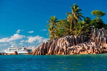 10-unforgettable-african-cruises-hero