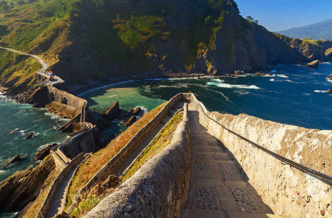 hiking-in-spain-san-juan-de-gatzelugatxe.jpg