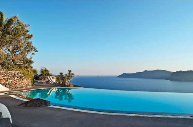 Luxury mansions celebrity homes 20 best hotel pools in the world for Top ten swimming pools in the world