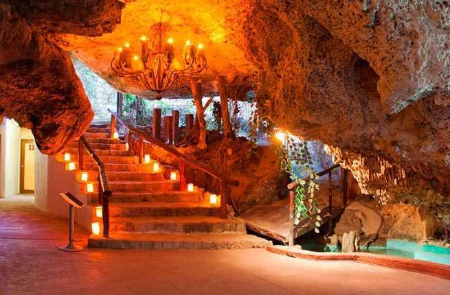 Caverna Restaurant