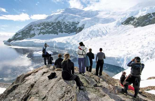 Explore Antarctica on BBC Earth Partner Expeditions