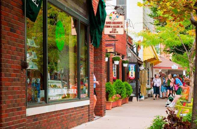 10 Charming Midwestern Towns To Visit This Summer Fodors