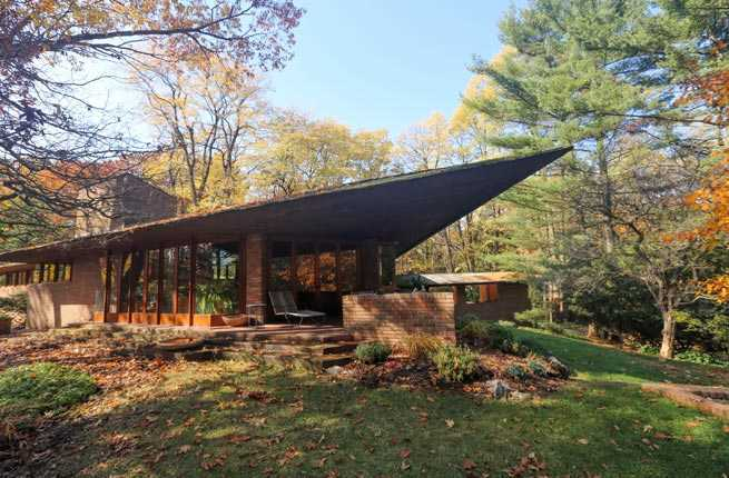 8 Frank Lloyd Wright Designed Homes You Can Sleep In Fodors Travel Guide