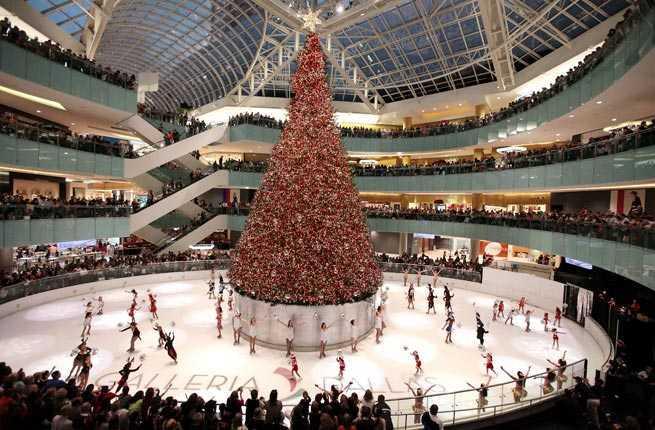 10 awe inspiring christmas trees across america