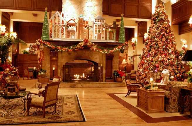 Decorating Ideas > 10 Hotels With OvertheTop Christmas Decorations – Fodors  ~ 031218_Christmas Decoration Ideas For A Restaurant