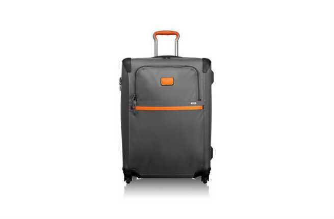 Tumi Alpha 2 Short Trip Expandable 4 Wheeled Packing Case