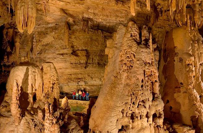 Natural Bridge Caverns