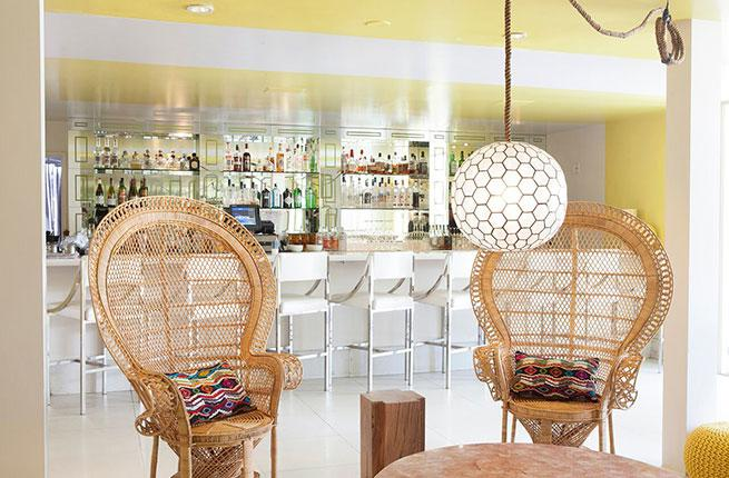 Avalon Hotel bar